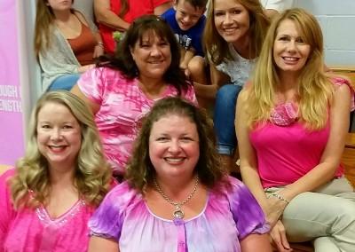 the moms dig pink